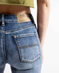 womens-denim-product-shots-vintage-wash-d18a7033_0002_layer_3_2048x